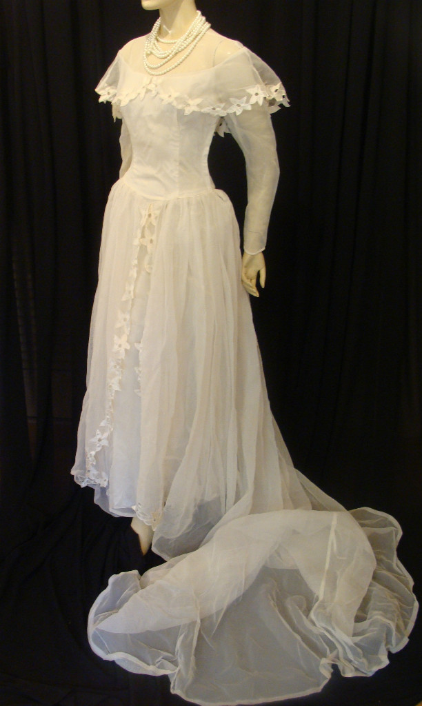 1940 s swing wedding swing wedding for Vintage 1940s wedding dresses